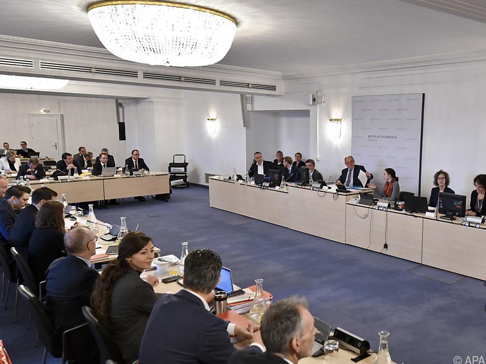 Doskozil und Kunasek sind Auskunftspersonen im Eurofighter-Ausschuss