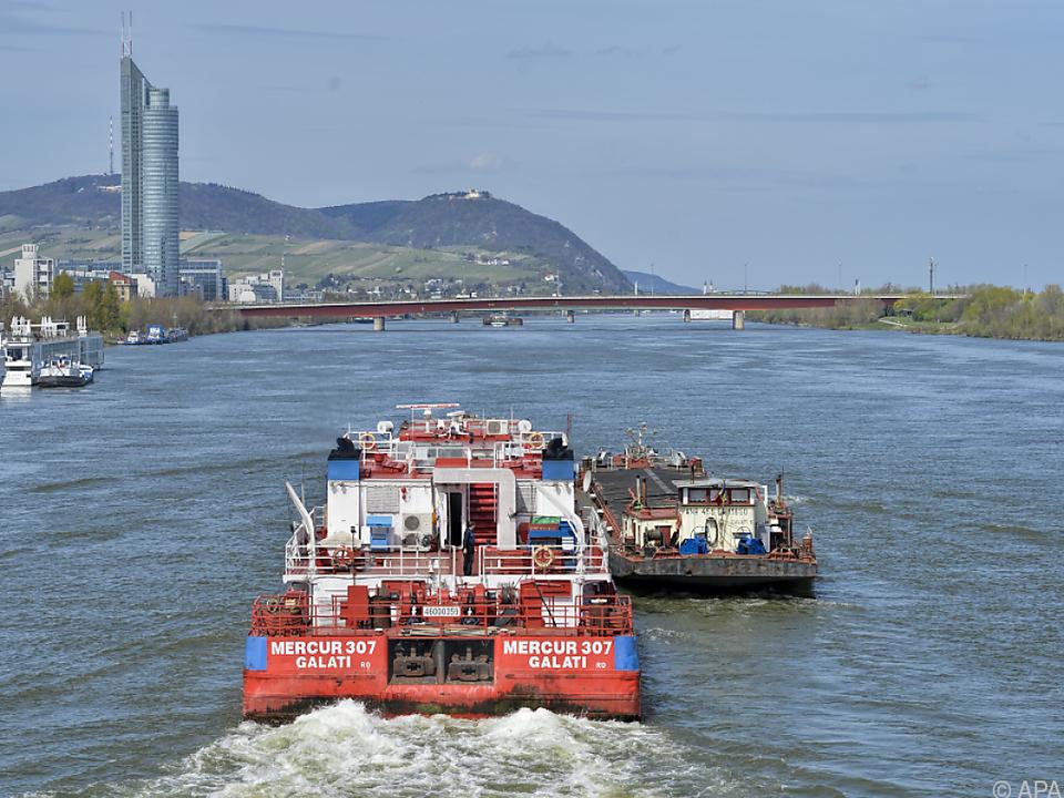 Durch Niedrigwasser konnten die Schiffe nicht voll beladen werden