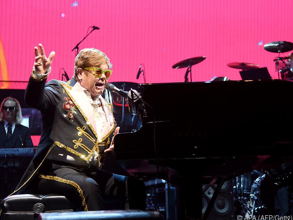 Elton John verabschiedet sich schön langsam von der großen Bühne