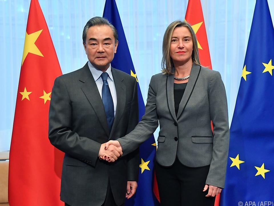 EU-Außenbeauftragte Mogherini mit Chinas Außenminister Wang