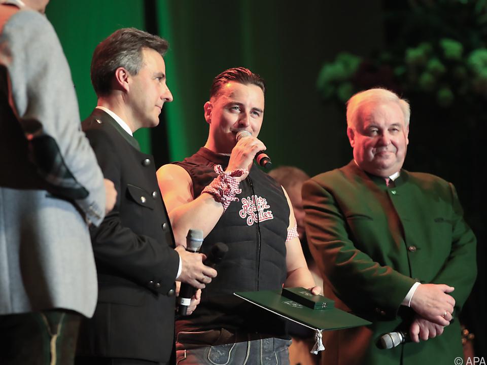 Gabalier bekam das Grazer Ehrenzeichen überreicht