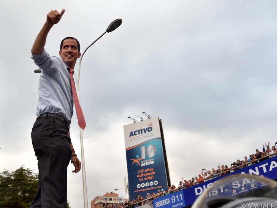 Interimspräsident Juan Guaido gibt sich siegessicher