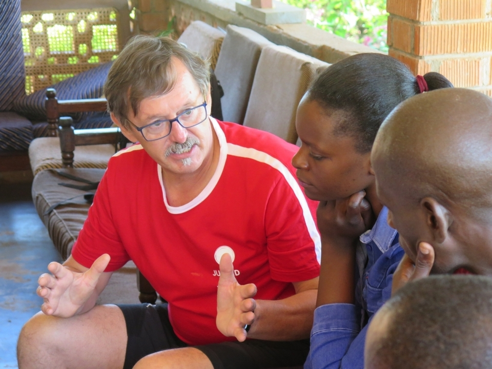 Josef Loderbauer auf Einsatz in Kamuli Uganda c J1W