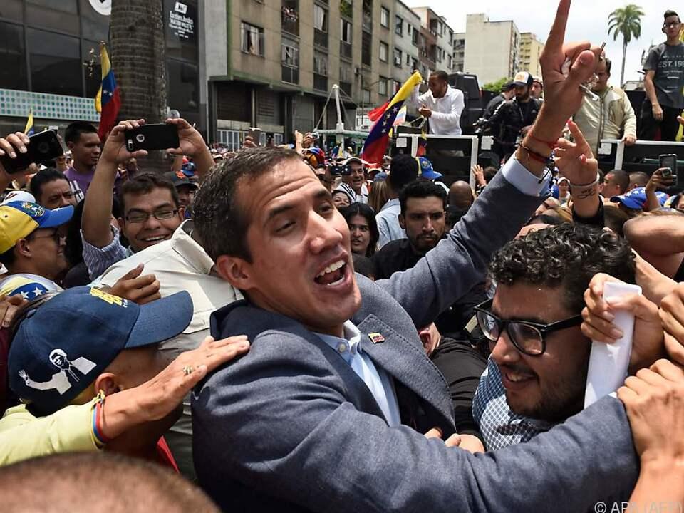 Juan Guaido unter Anhängern in Los Teques