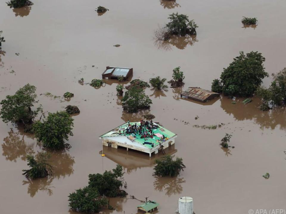 Massive Überschwemmungen als Folge des Wirbelsturms