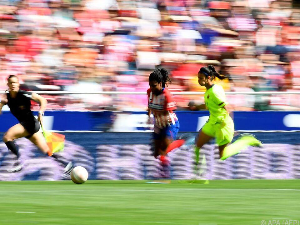 Mega-Kulisse bei Spitzenspiel der spanischen Frauenfußball-Liga