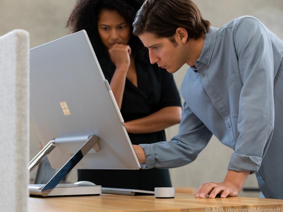 Microsofts All-in-One PC Surface Studio 2 und ist ab 4.150 Euro im Handel