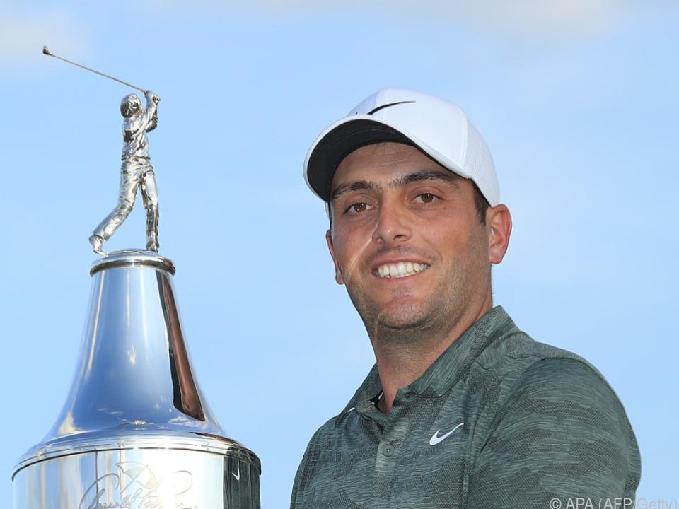 Molinari mit dem Siegerpokal