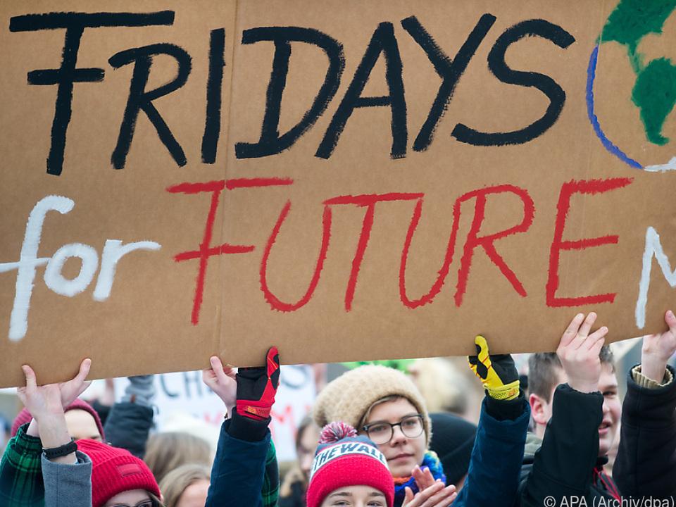 Proteste in mehr als 1.650 Städten