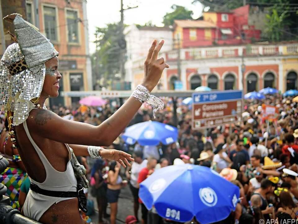 Rio den Janeiro tanzt durch den berühmten Karneval