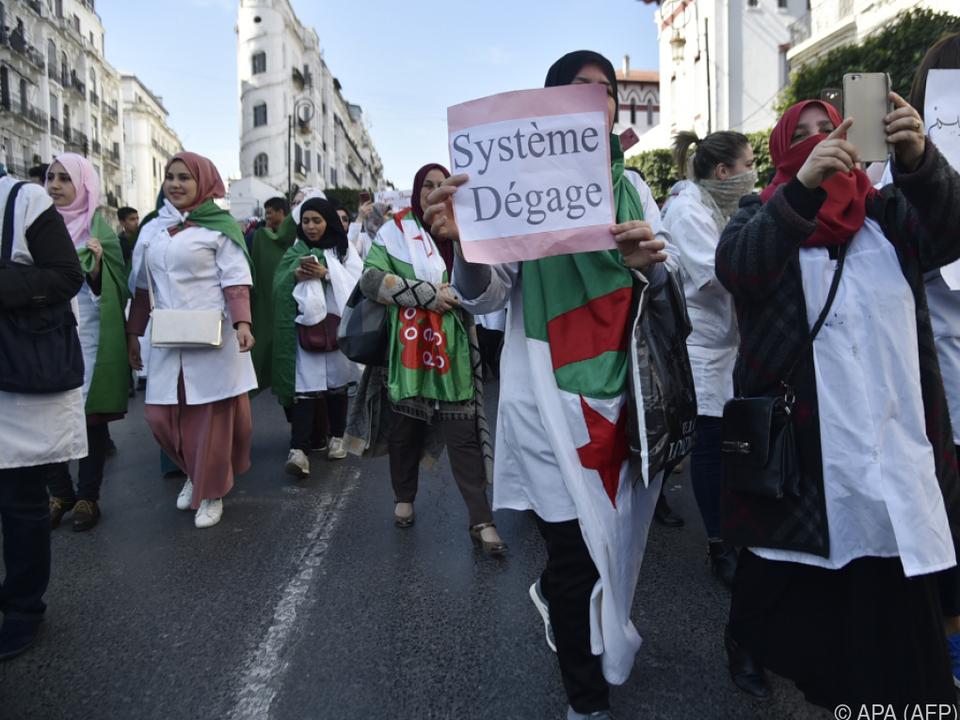 Schüler und Lehrer protestierten