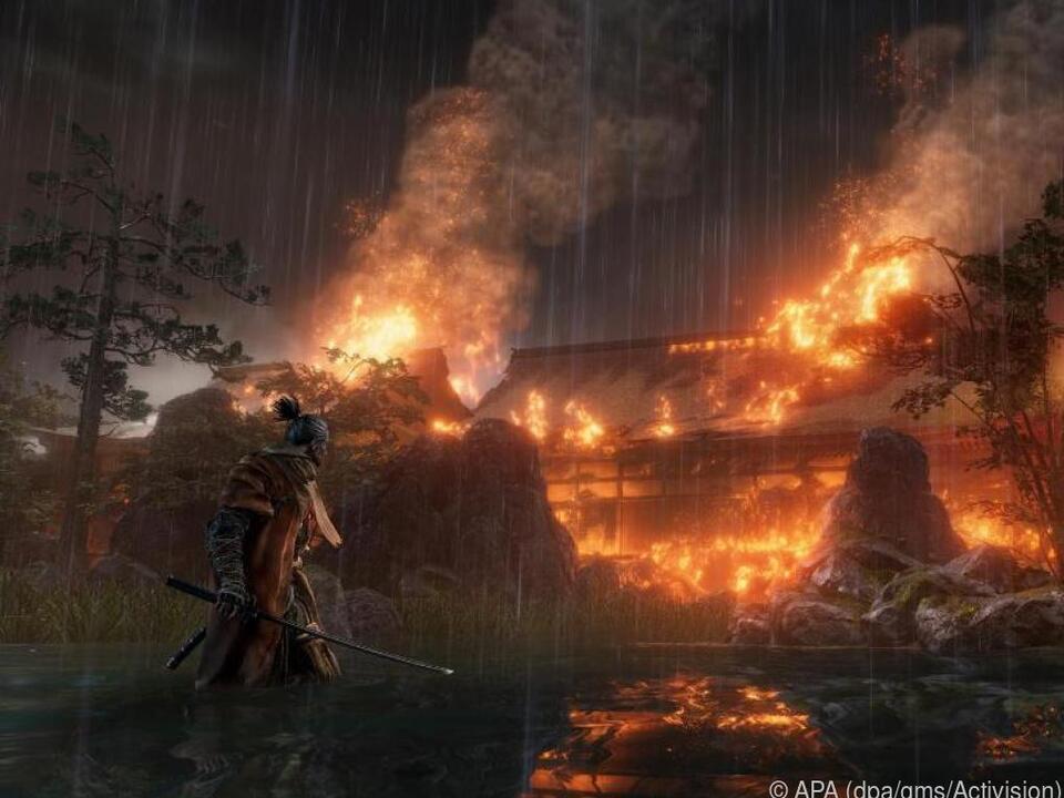 Samurai Sekiro soll einen jungen Adligen schützen, doch das ist nicht leicht