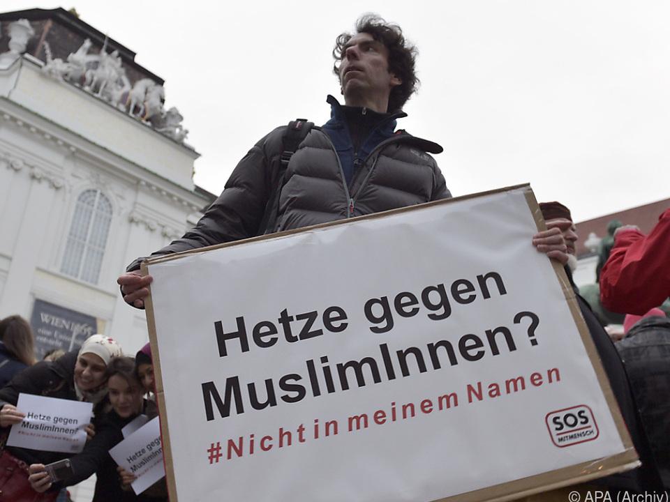 SOS Mitmensch-Sprecher Pollak fordert wieder Integration von Anfang an