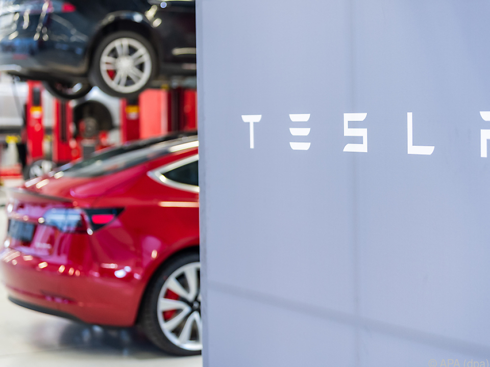 Tesla soll man künftig mit dem Smartphone kaufen
