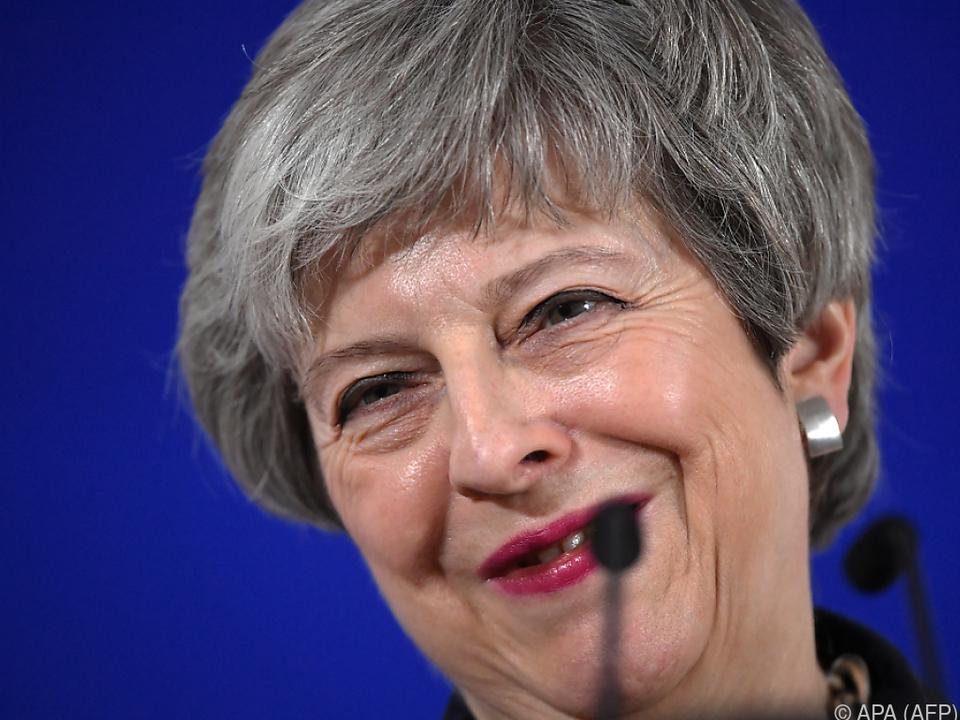 Theresa May bekommt mehr Zeit