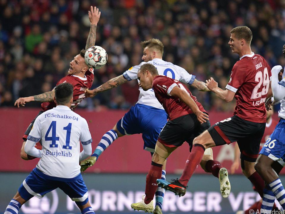 Abstiegskampf pur bei Nürnberg - Schalke