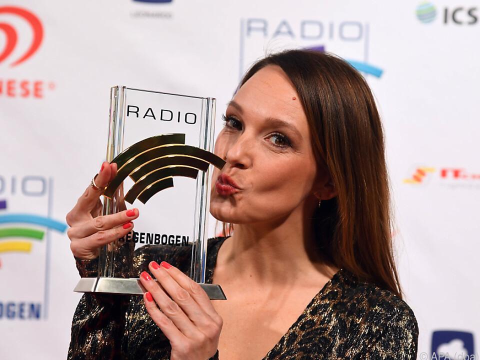 Carolin Kebekus bekam einen Radio Regenbogen Award