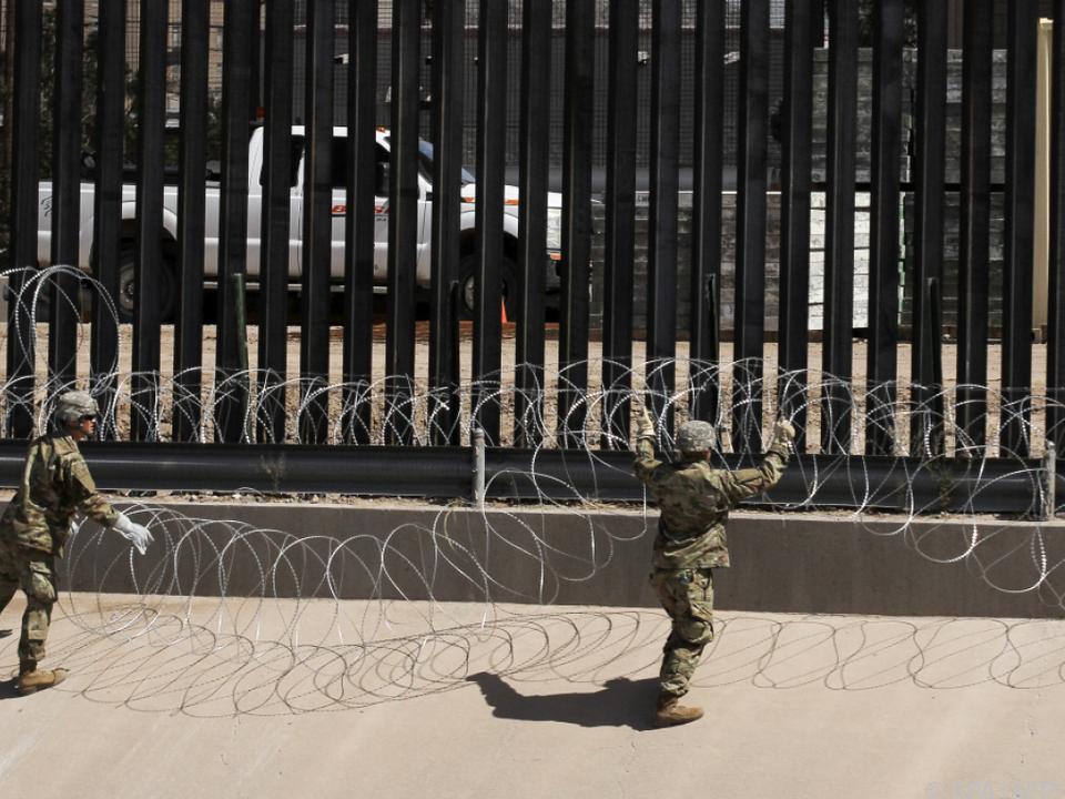 Das Boot sei voll, behauptete Trump an der Grenze
