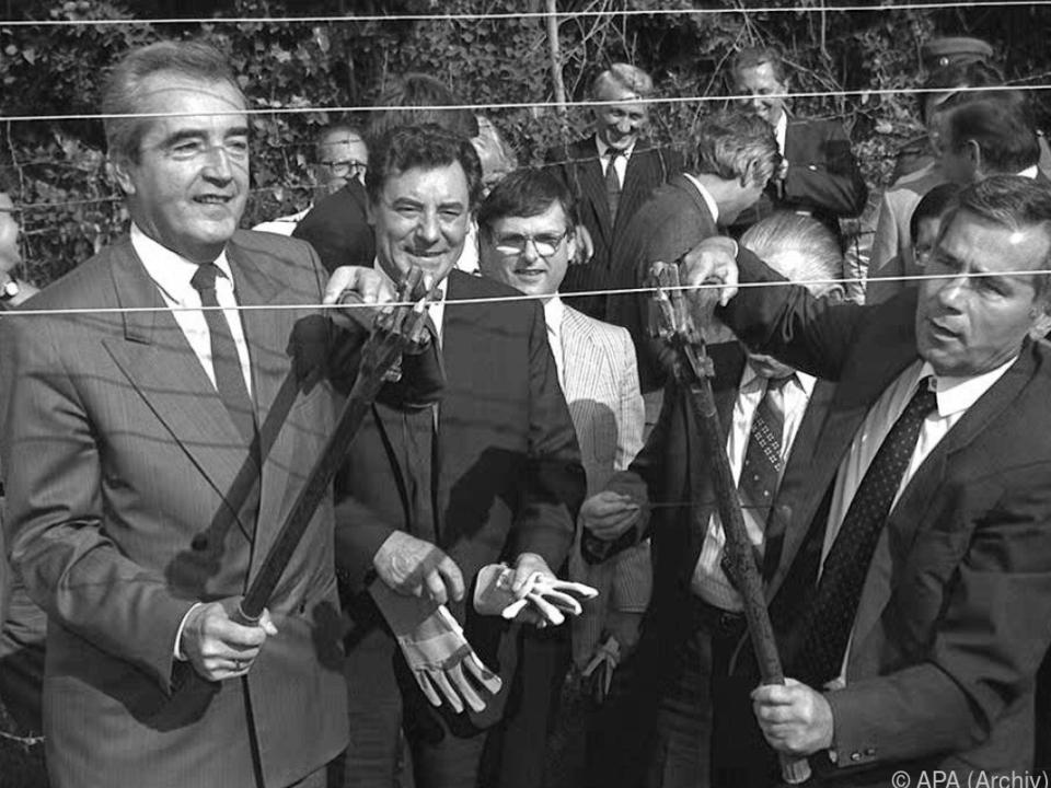 Der historische Moment mit dem damaligen Außenminister Alois Mock