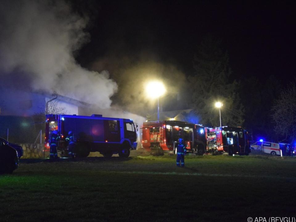 Die Pflegerin (60) konnte sich aus dem brennenden Haus befreien