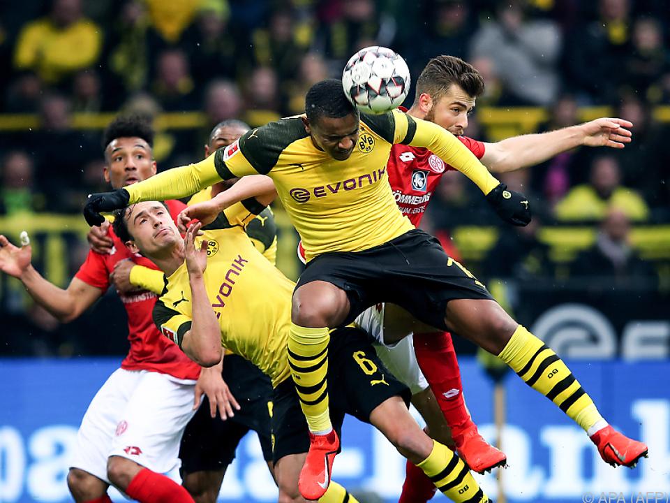 Dortmund zumindest bis Sonntag wieder an der Tabellenspitze