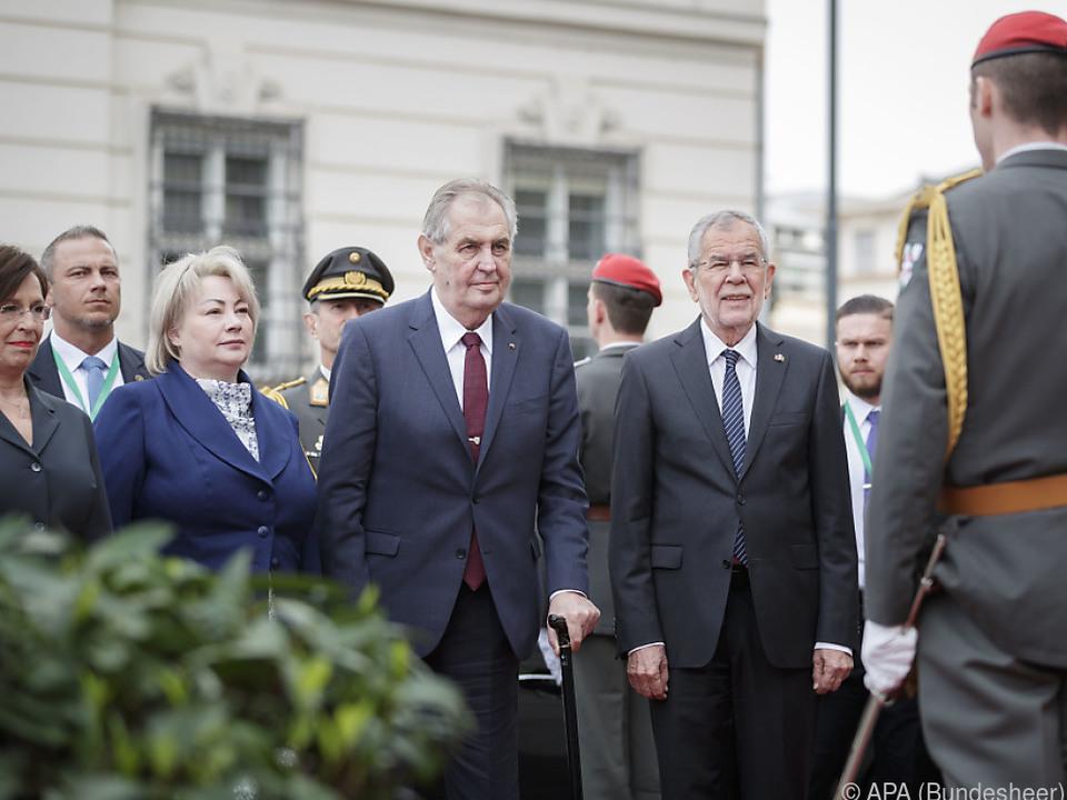 Empfang für Präsident Zeman mit allen Ehren