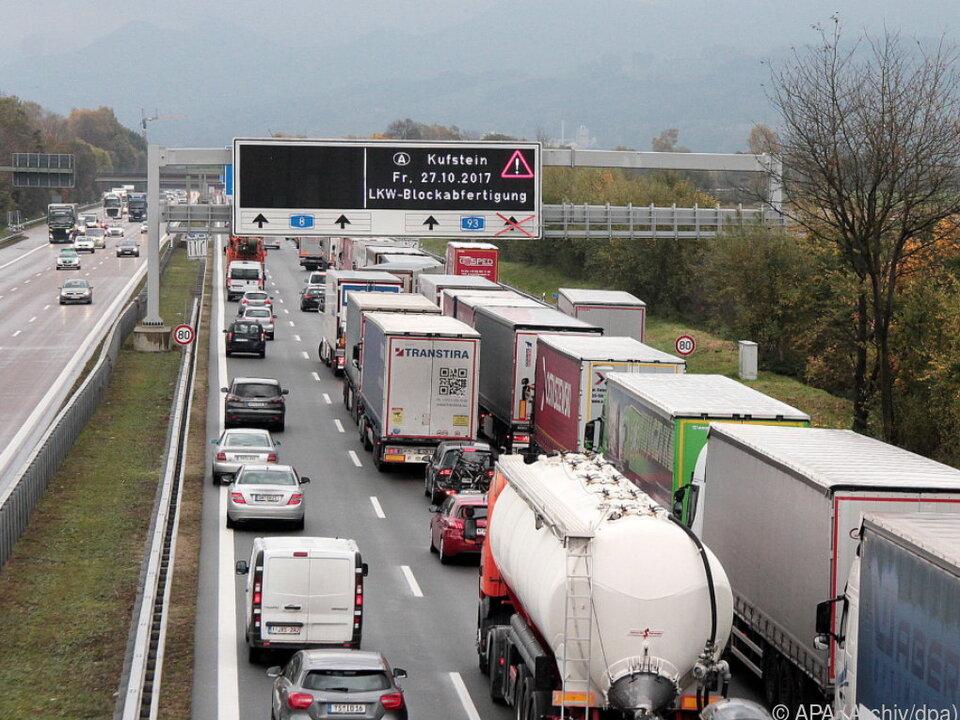 Lkw-Blockabfertigung sorgt in Deutschland für Unmut