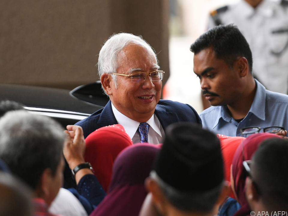 Najib soll 600 Millionen Euro auf private Konten abgezweigt haben