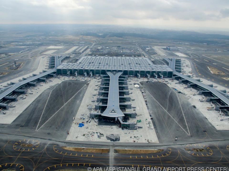 Neuer Flughafen Istanbul soll Dubai Konkurrenz machen