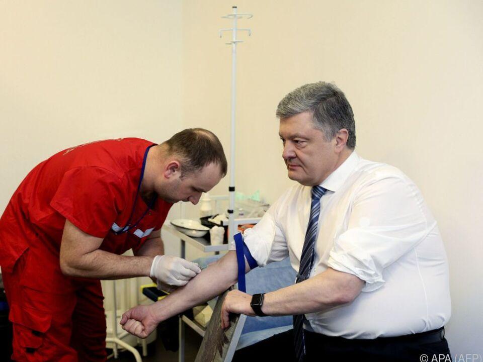 Präsident Poroschenko beim ersten Drogentest vor einigen Tagen