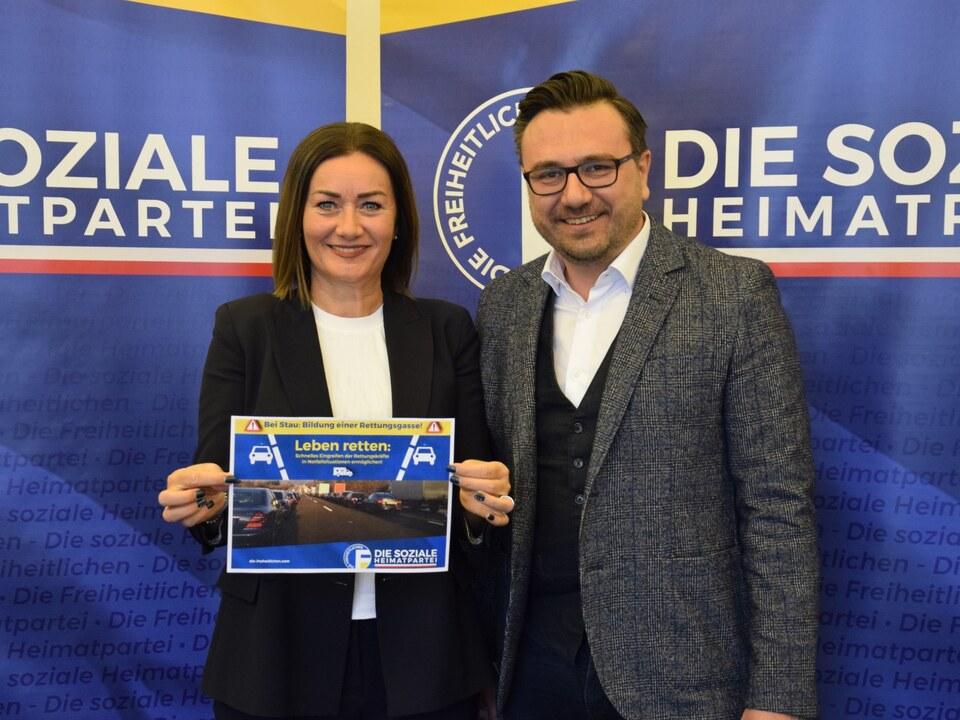Leiter Reber Mair Pressekonferenz Rettungsgasse