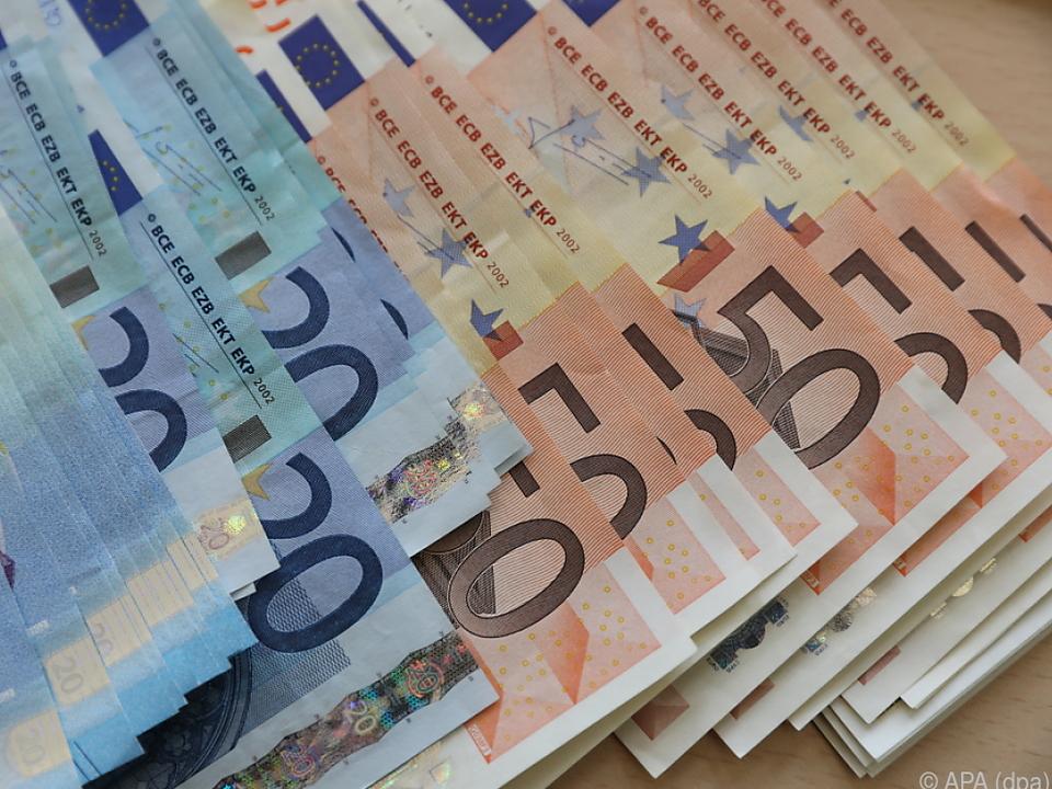 Pro Kopf müssen die jungen Männer 13,5 Millionen Euro zahlen