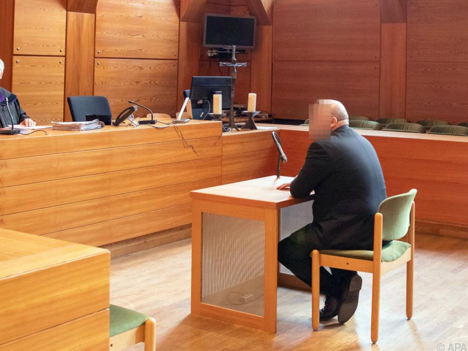 Prozess gegen Polizeibeamten in Innsbruck