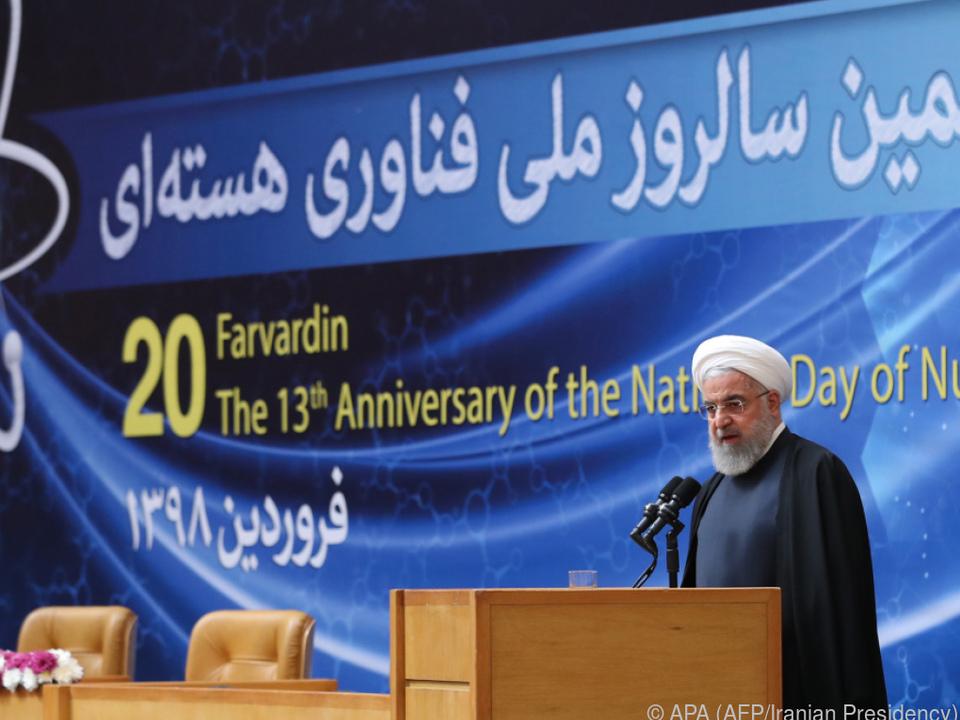 Rouhani wird von Macron zur Besonnenheit aufgerufen