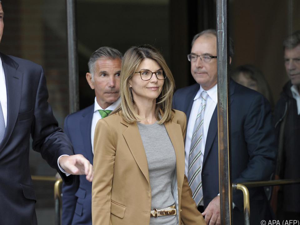 Schwere Anschuldigungen gegen TV-Star Lori Loughlin