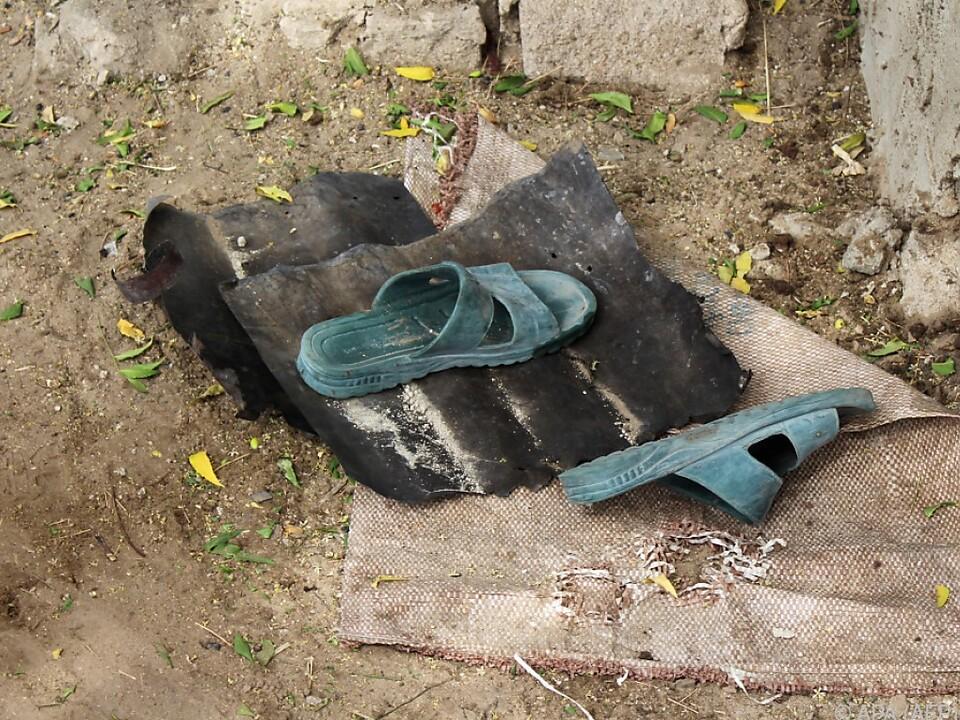 Verlassene Schuhe nach dem Anschlag