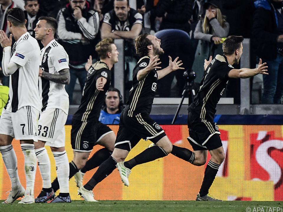 Verteidiger Matthijs de Ligt schoss Ajax in Turin eine Runde weiter