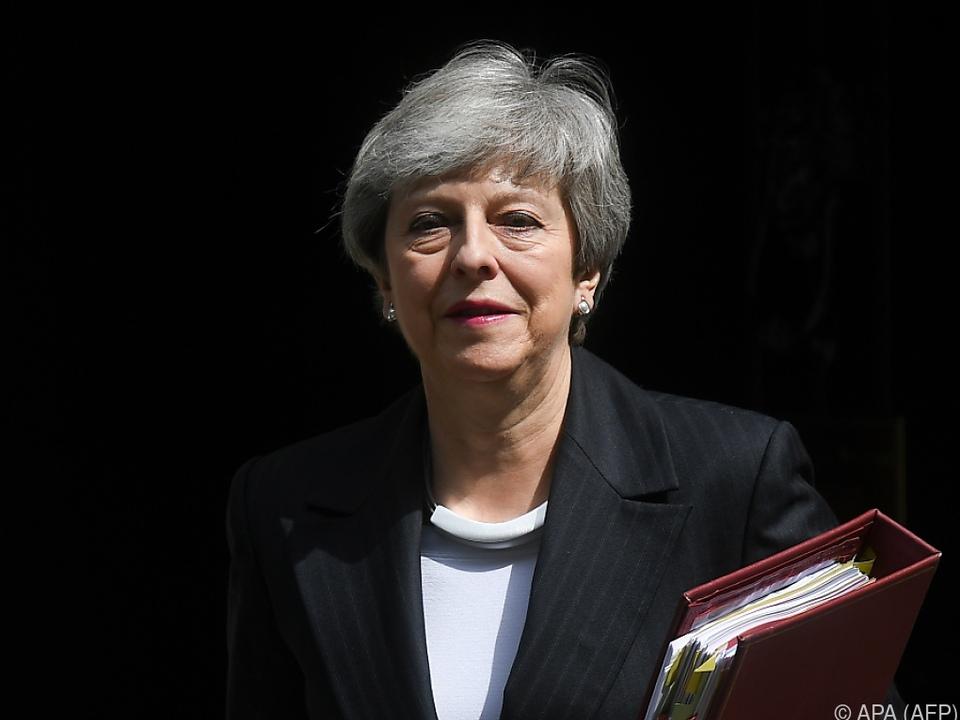 Britische Regierung dementiert Rücktrittsgerüchte um Theresa May