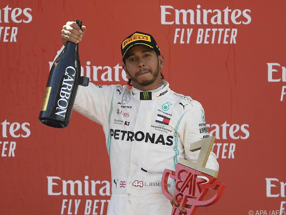 Champagner zählt nicht, sonst wäre Hamilton quasi permanent gedopt