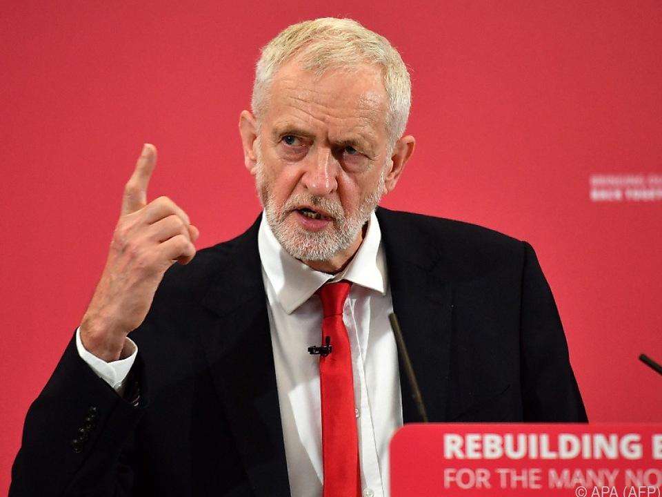 Das Gespräch mit Labour-Chef Corbyn wird gesucht