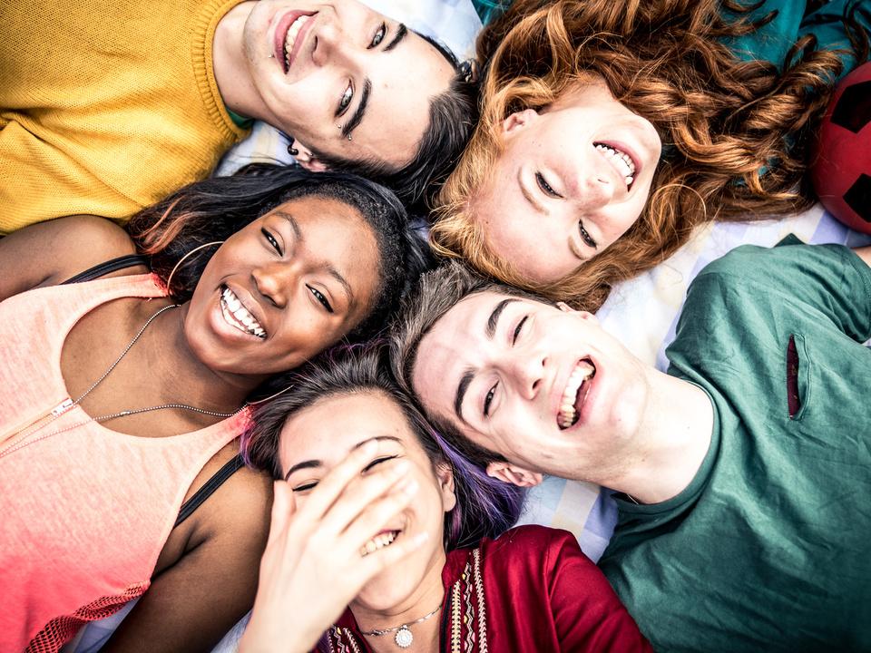 Jugend Rassen Freunde
