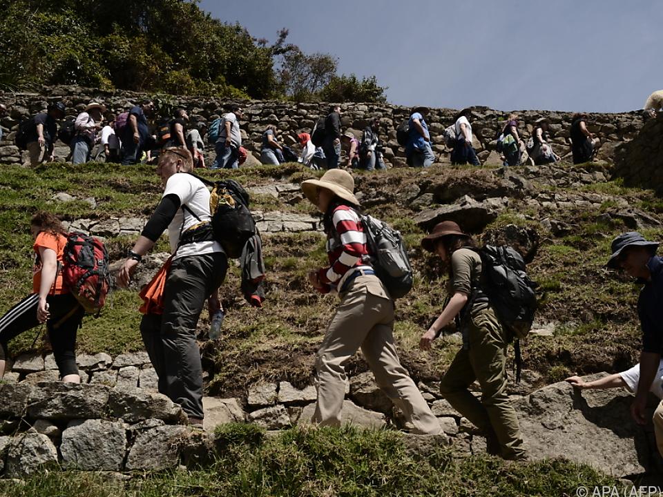 Historische Inka-Stadt durch Besucherströme in Mitleidenschaft gezogen