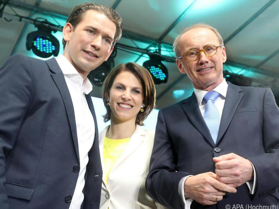 Kanzler Kurz mit den EU-Spitzenkandidaten Edtstadler und Karas