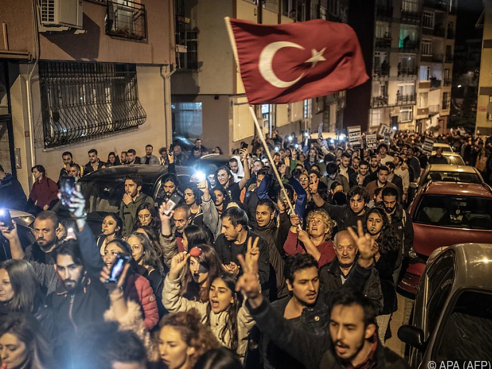 Protest in Istanbul gegen die Wahlannulierung