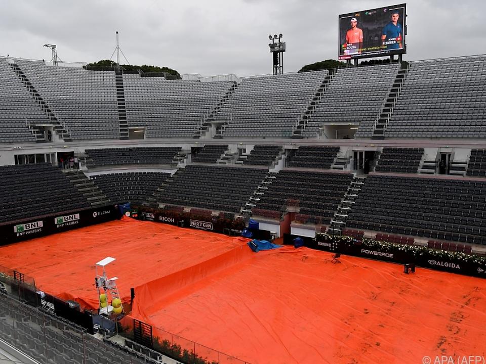 Regen machte Tennisspielen in Rom am Mittwoch unmöglich