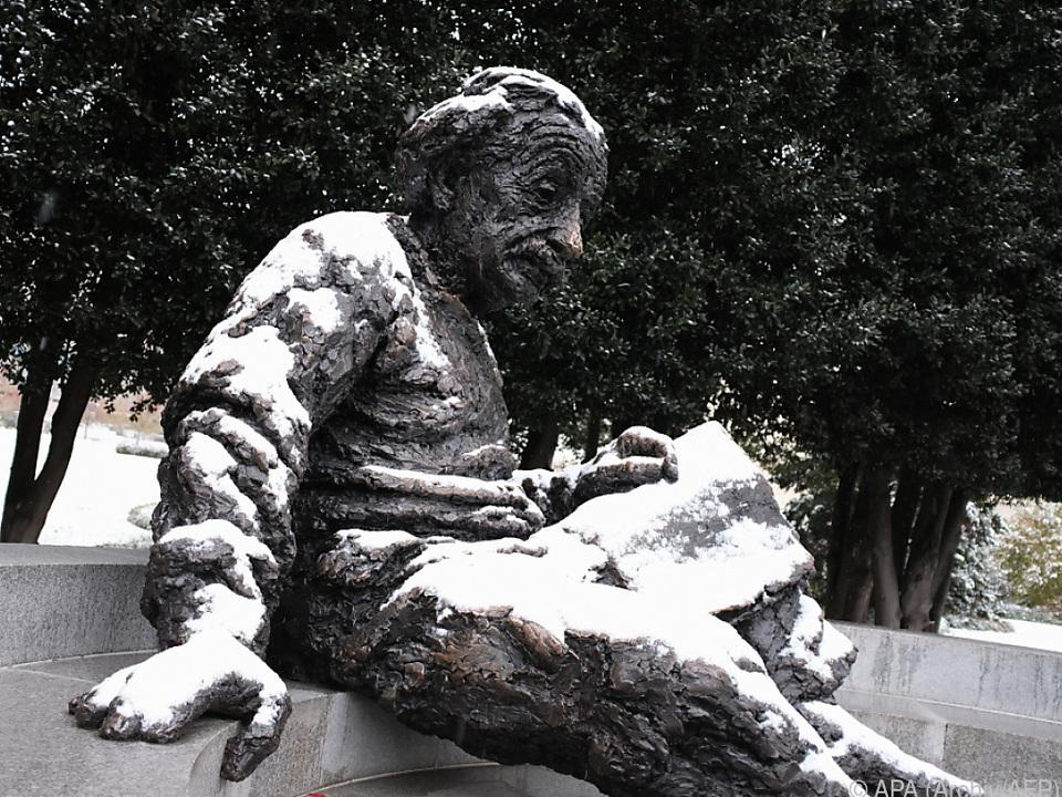 Spöttische Bemerkungen von Einstein