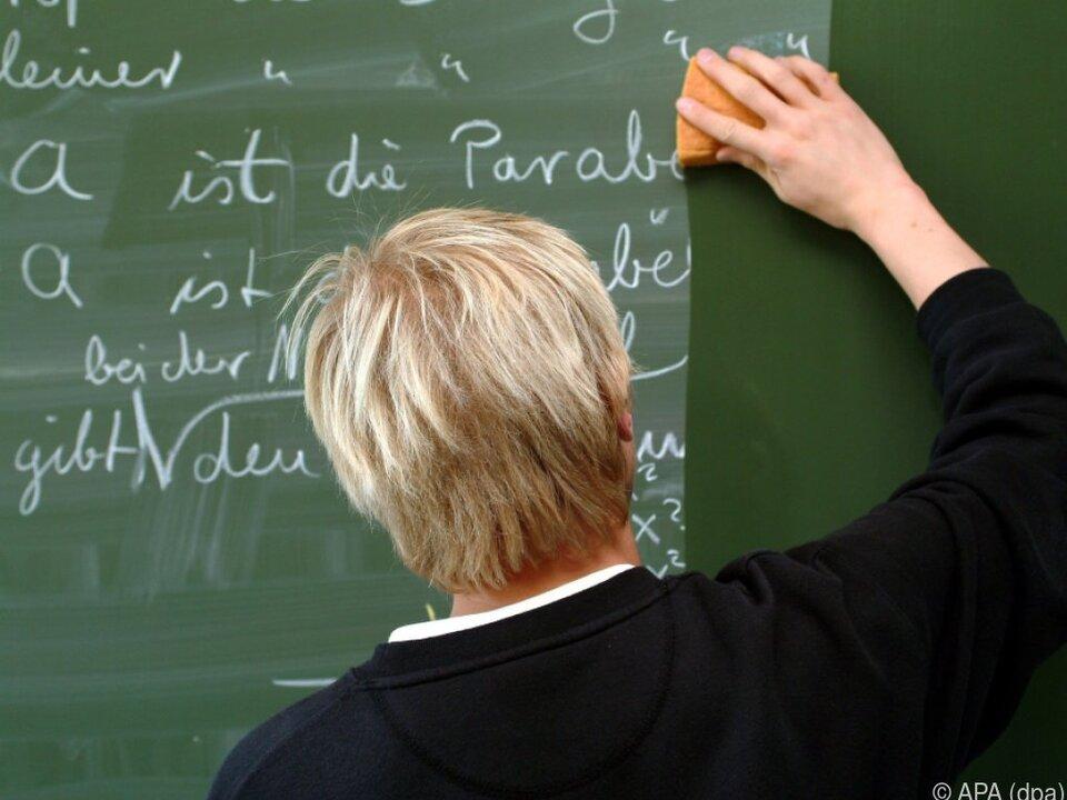 Dreimonatige Probezeit für Lehrer soll kommen