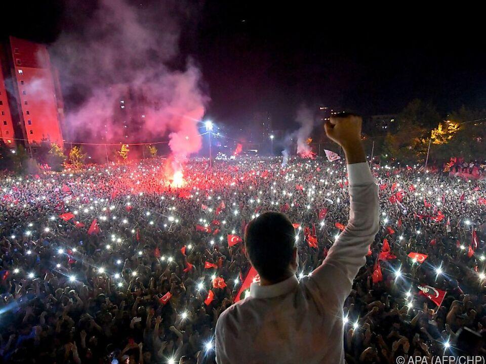 Ekrem Imamoglu feierte seinen Wahlsieg