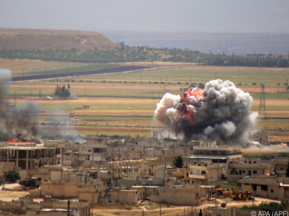 HTS-Jihadisten starteten Offensive gegen Militär