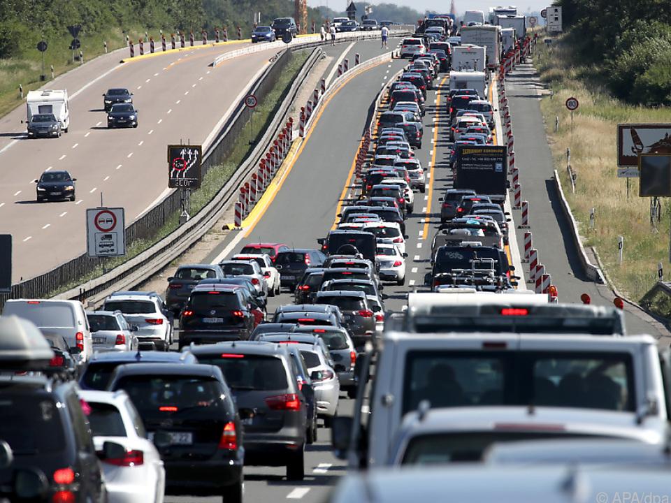 Die stauintensivsten Reisetage kommen noch stau verkehr autobahn